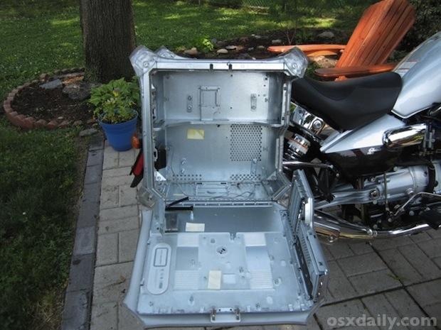 Powermac-g4-motorcycle-saddlebags5